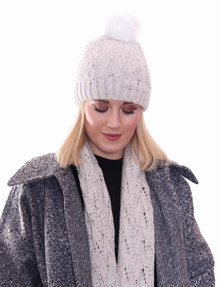 LACE KNIT HAT WITH FAUX FUR POMPON